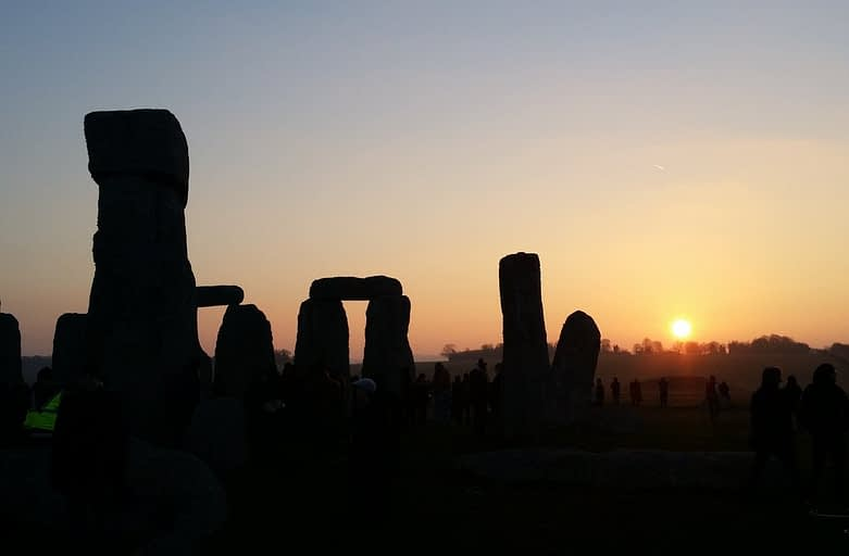 vernal equinox at stonehenge 2015